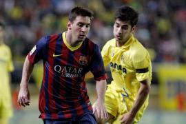 El Barcelona se alía con la suerte y sigue vivo en la lucha por el título