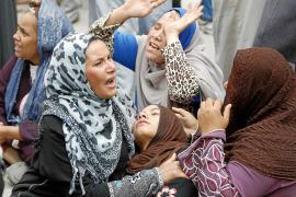 Egipto condena a muerte a 720 hermanos musulmanes y a su líder