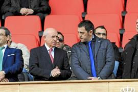 Serra propone abonar las fichas con pagarés y Cerdà dice que hay liquidez