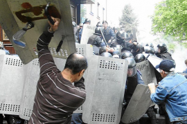 Ucrania recupera el servicio militar obligatorio para frenar la rebelión prorrusa