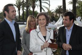 La Reina recoge el premio del Salón Náutico de Palma a la regata Princesa Sofía