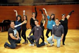 Los alumnos de canto del Conservatori Professional recrean escenas de óperas