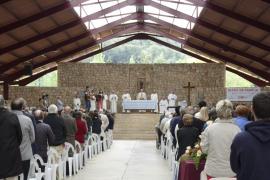 600 personas celebran con el obispo en Lluc la tradicional Diada de la Família