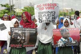 Boko Haram reivindica el rapto de 200 niñas nigerianas y dice que las venderá