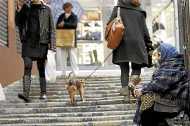 Las listas de espera de los servicios sociales de Cort bajan un 34 %