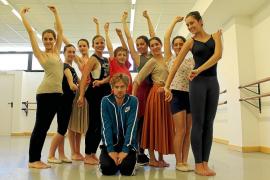 Aleix Mañé ensaya en Palma una coreografía que se estrenará en junio