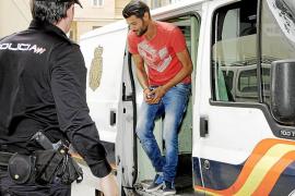 Un sobrino de 'La Paca' termina en la cárcel tras forzar la suspensión del juicio del 'pequeño Kabul'