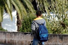 El casco para los ciclistas menores en ciudad será obligatorio  desde mañana
