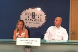 Cabrer acusa a la oposición de actuar con la tarjeta del PP como los nazis con los judíos