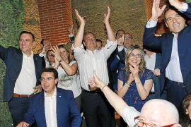 La abstención de IU tumba la moción de censura del PSOE contra Monago