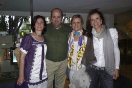 Isabel Guarch presenta sus nuevos diseños con una fiesta en Mar Salada