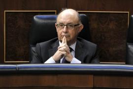 Montoro anuncia una reducción de los tramos del IRPF de siete a cinco en 2015
