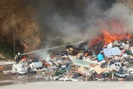 Controlado un incendio en la Planta de Reciclatge de Porreres
