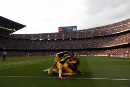 Celebración del gol de Godín