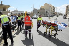 Dos mujeres, heridas graves al chocar su moto con un guardarraíl en Llucmajor