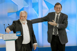 Rajoy pide el voto por una Catalunya unida y española, «no fuera del mundo y aislada»