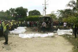 Mueren 30 menores y un adulto en el incendio de un autobús en Colombia