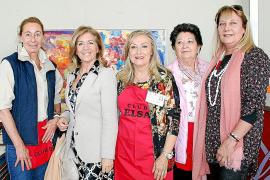 Espléndida inauguración del rastrillo del Club Elsa en el Palma Arena
