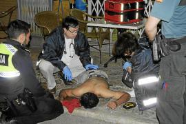Dejan inconsciente a golpes con una botella a un hombre en un bar de Andratx