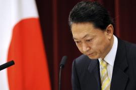 Dimite el primer ministro japonés tras una larga polémica por una base de EEUU