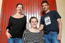 La obra 'Stockmann' cuestiona la corrupción moral en el Teatre del Mar