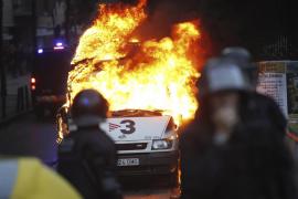 Dos detenidos y más de 10 identificados tras la  protesta por el derribo de Can Vies