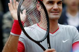 Djokovic y Federer solventan sus partidos