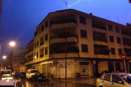 Una noche de lluvia, rayos y truenos