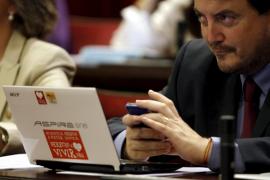 Antoni camps, diputado del PP en el pleno del Parlament balear
