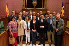 El Consell firma un convenio con 16 ayuntamientos para la recogida de residuos