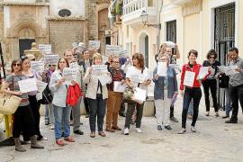 Treinta defensores del derecho al aborto piden al Obispado ser excomulgados