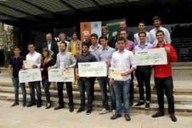 Francisco Caimari, Daniel Colón y Pedro Gelabert, primer premio del concurso de bolsa del Club de Inversión Sa Nostra-UIB