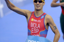 Mario Mola logra en Londres su primera victoria en las Series Mundiales