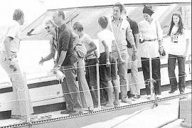 EL REY JUAN CARLOS Y LOS DUQUES DE LUXEMBURGO EN EL PRIMER YATE < FORTUNA > EL 16 DE AGOSTO DE 1979