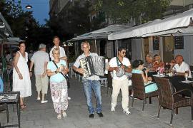 Cort estudia prohibir que los músicos callejeros actúen en la calle Fábrica