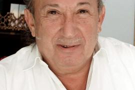 Montesinos queda en libertad provisional con cargos