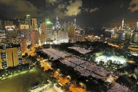 Multitudinario recuerdo en Hong Kong a las víctimas de Tiananmen