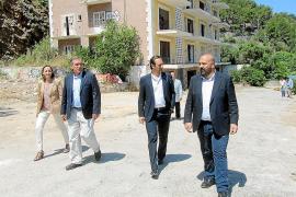 El Govern deja en manos del sector turístico el calendario de demolición del Rocamar