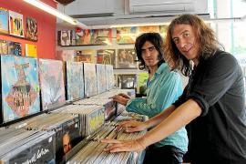 Gerard Quintana retorna al rock con el LP 'Tothom ho sap' junto a Xarim Aresté