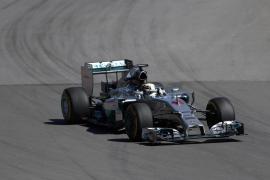 Hamilton domina los últimos libres con Alonso cuarto