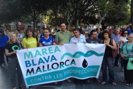 Más de 200 personas se concentran para protestar contra las prospecciones