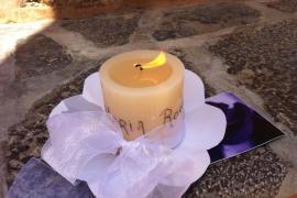 Cirio en memoria de María Rosa Martínez
