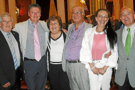 medalla de honor del Parlament a María Luisa Cava de Llano