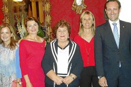 El Parlament entrega la Medalla d'Honor a Cava de Llano