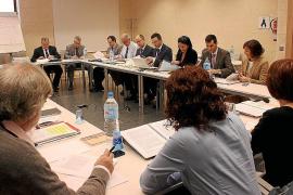 Sindicatos y patronal afrontan hoy una reunión clave del convenio de hostelería