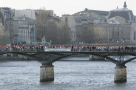 París retira 18,5 toneladas de 'candados del amor' del Pont des Arts