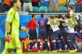 Holanda humilla a la campeona