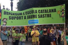 La marcha de Barcelona en defensa de la escuela en catalán no olvida a Sastre