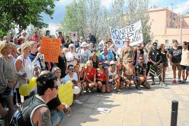 Unas 250 personas se manifiestan en contra de la prostitución en Magaluf