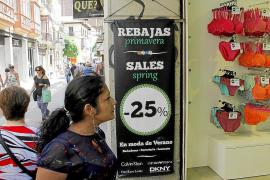 Pimeco y Afedeco denuncian el «caos» de liberalizar las rebajas
